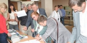 Participants registering for an EUTR event in Lithuania.
